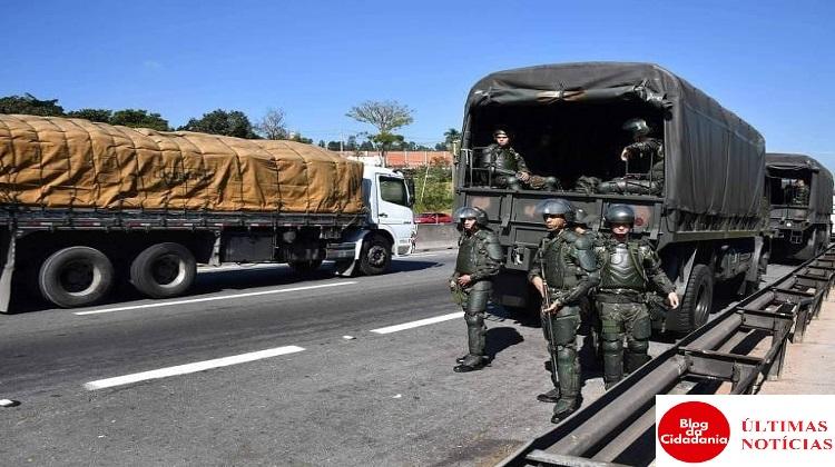 Greve de caminhoneiros e militares